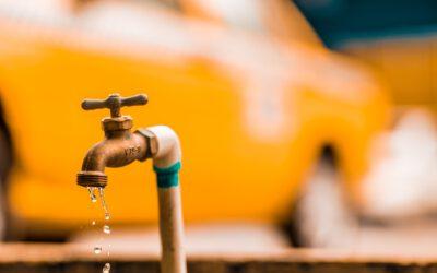 Cómo tapar una fuga de agua con presión